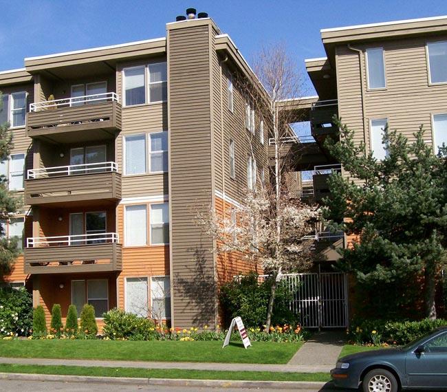 Westwood Court Convenient City Living In West Seattle